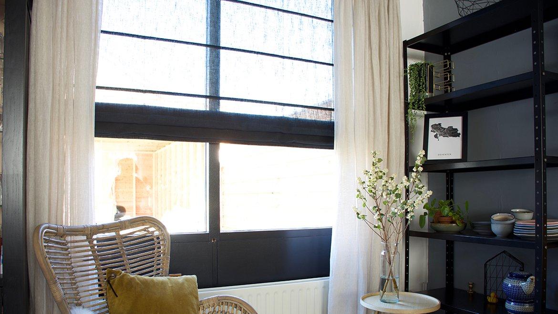 Gordijnen Als Roomdivider : Trend zwarte gordijnen in je huis