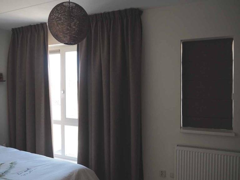 Goedkope gordijnen op maat for Verduisterende gordijnen slaapkamer